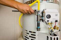 Free Water Heater Installation SD 4527 Royalty Free Stock Photography - 193560467
