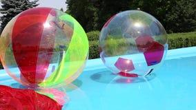 Water het lopen ballen stock videobeelden