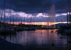 Water Jet in Geneva at twilight 02, Switzerland Royalty Free Stock Photos