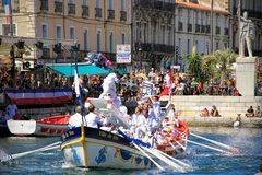 Water Jousting performance during St.Louis festival at the streets of Sete, South of France stock photography