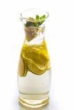 Water met citroen Royalty-vrije Stock Foto's
