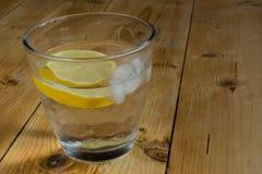 Water met ijs en citroen Royalty-vrije Stock Foto