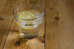 Water met ijs en citroen Royalty-vrije Stock Fotografie