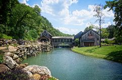 Free Water Mill Entrance To Dogwood Canyon Nature Park Stock Photo - 123332770