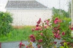 Water op venster 1 Stock Afbeeldingen