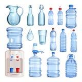 Water in plastiek en glasflessen Vector geïsoleerde geplaatste voorwerpen Zuivere mineraalwaterillustratie stock illustratie