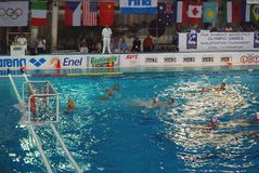 Water polo de las mujeres. Italia-Rusia final Foto de archivo libre de regalías