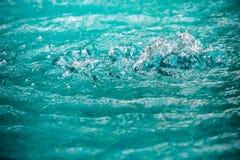 Water in pool het bespatten Stock Afbeelding