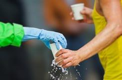 Water tijdens marathon Royalty-vrije Stock Foto's