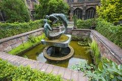 Water van het Levensbeeldhouwwerk in Chester Cathedral royalty-vrije stock foto