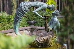 Water van het Levensbeeldhouwwerk in Chester Cathedral stock fotografie