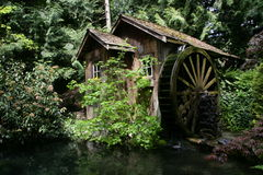 Water wheel. House in the woods Royalty Free Stock Photos
