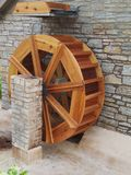 Water Wheel Outside Rustic Building Royalty Free Stock Images