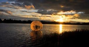 Waterball in het meer royalty-vrije stock fotografie