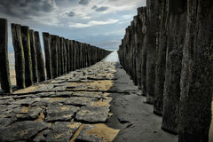 Waterbreak με την άποψη ακτών Στοκ εικόνες με δικαίωμα ελεύθερης χρήσης