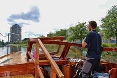 Waterbus在卡尔斯塔德,瑞典,欧洲 免版税库存图片
