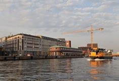 Waterbus em canais de Copenhaga fotos de stock