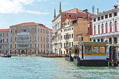 Waterbus stop S.Toma in Grand Canal, Venice Royalty Free Stock Photography