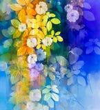 Watercolor που χρωματίζει τα άσπρα λουλούδια και τα μαλακά φύλλα χρώματος Στοκ Φωτογραφία