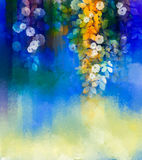 Watercolor που χρωματίζει τα άσπρα λουλούδια και τα μαλακά φύλλα χρώματος Στοκ Εικόνες