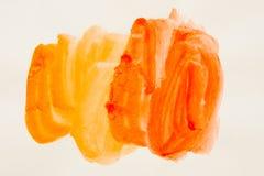 watercolor Pinte las manchas en una hoja de papel blanca Acuarela de la abstracción imagen de archivo