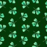 Watercolor seamless clover pattern. Clover pattern with three leaves for Saint Patrick`s Day. stock illustration