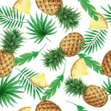 Watercolor seamless pattern with fresh pineapples. Royalty Free Stock Photos