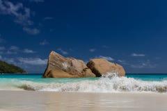 Watercolour сини пляжа ландшафта океана Стоковое Изображение RF