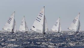 Watercrafts de la clase de la estrella que navegan regata Foto de archivo libre de regalías