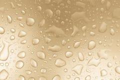 Waterdalingen op grijze gestemde achtergrond, conceptenachtergrond Stock Fotografie