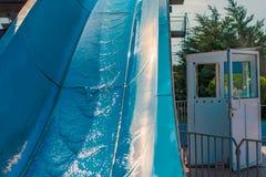 Waterdia's, aantrekkelijkheden van blauwe kleur in het park stock afbeelding