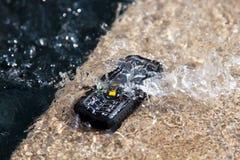 Waterdichte telefoontest Stock Foto's