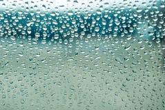 waterdrop的接近的玻璃 免版税库存图片