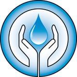 Waterdrop en handen Stock Foto