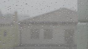 Waterdrops落的雨天窗口城市放松 影视素材