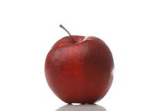 Waterdrops op een appel stock afbeeldingen