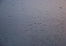 Waterdrops på fönsterexponeringsglaset Royaltyfri Foto