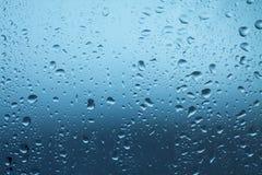 Waterdrops sulla finestra dopo pioggia Immagini Stock Libere da Diritti