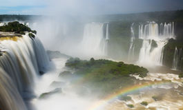Waterfall Cataratas Del Iguazu auf Iguazu-Fluss, Brasilien Stockfoto