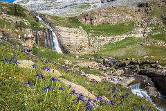 Waterfall de cotatuero under Monte Perdido at Ordesa Valley Arag Royalty Free Stock Photos