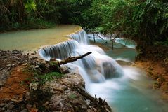 Waterfall in the jungle, kuangsi Royalty Free Stock Images