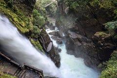 Waterfall Pailon del Diablo in de Andes ecuador Stock Afbeelding