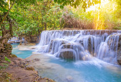 Waterfall in rain forest (Tat Kuang Si Waterfalls at Luang praba Stock Photography