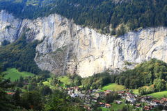 Waterfall and valley of Lauterbrunnen Royalty Free Stock Photos