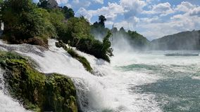 Waterffal sur le Rhin images stock