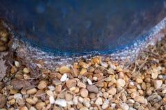Waterfontein die in het Park stromen Stock Afbeelding