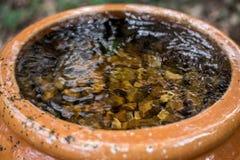 Waterfontein die in het Park stromen Stock Fotografie