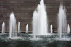 Waterfontein in langzame motie Royalty-vrije Stock Fotografie