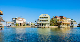 Free Waterfront Homes Stock Photos - 40672643