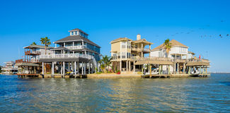 Free Waterfront Homes Stock Images - 40672664